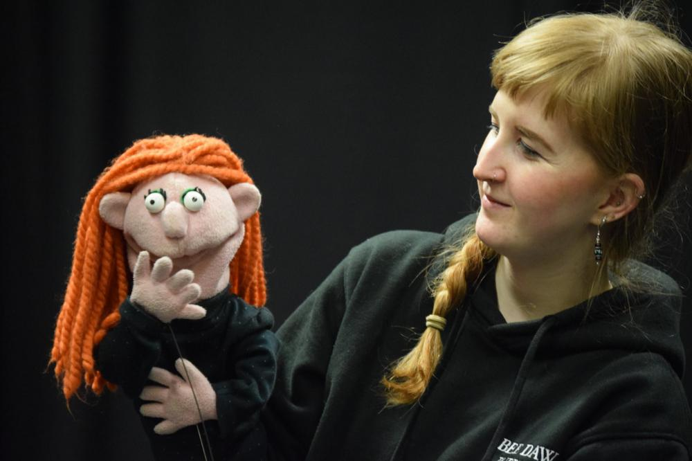 The sessions will be led by puppeteer and drama teacher Bee Daws