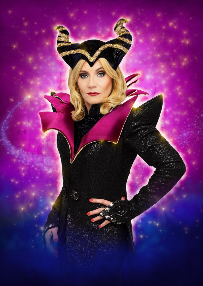 EastEnders star Michelle Collins joins cast for Wyvern Theatre's