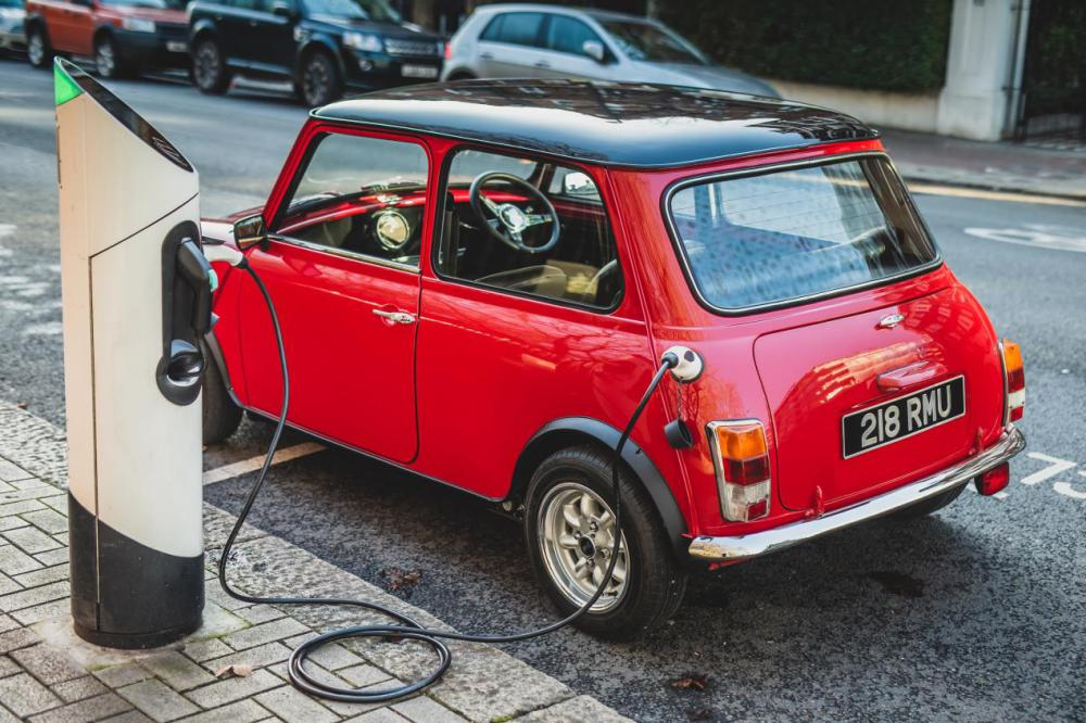 The kit enables owners to turn their classic Minis into electric vehicles