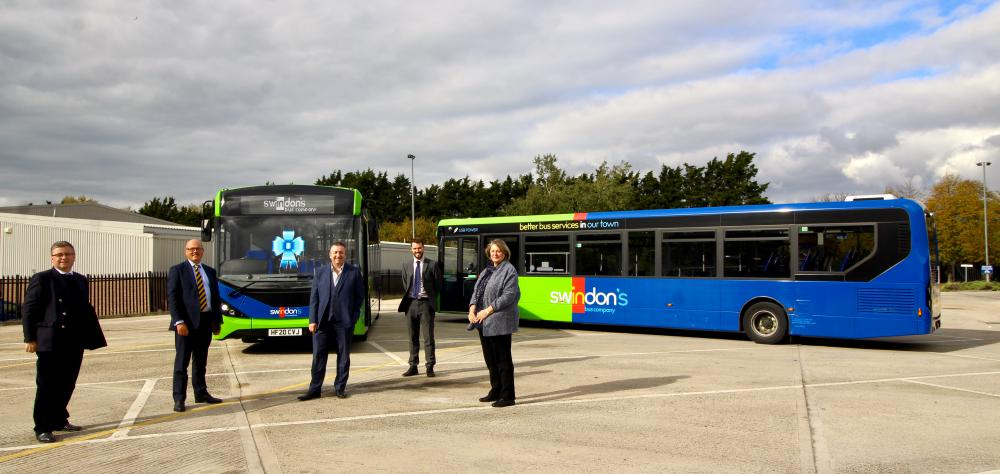 Representatives from local bus operator Swindon's Bus Company were joined in the town by Robert Buckland MP and Swindon councillors to unveil six new British-built Alexander Dennis Enviro 200 MMC vehicles.
