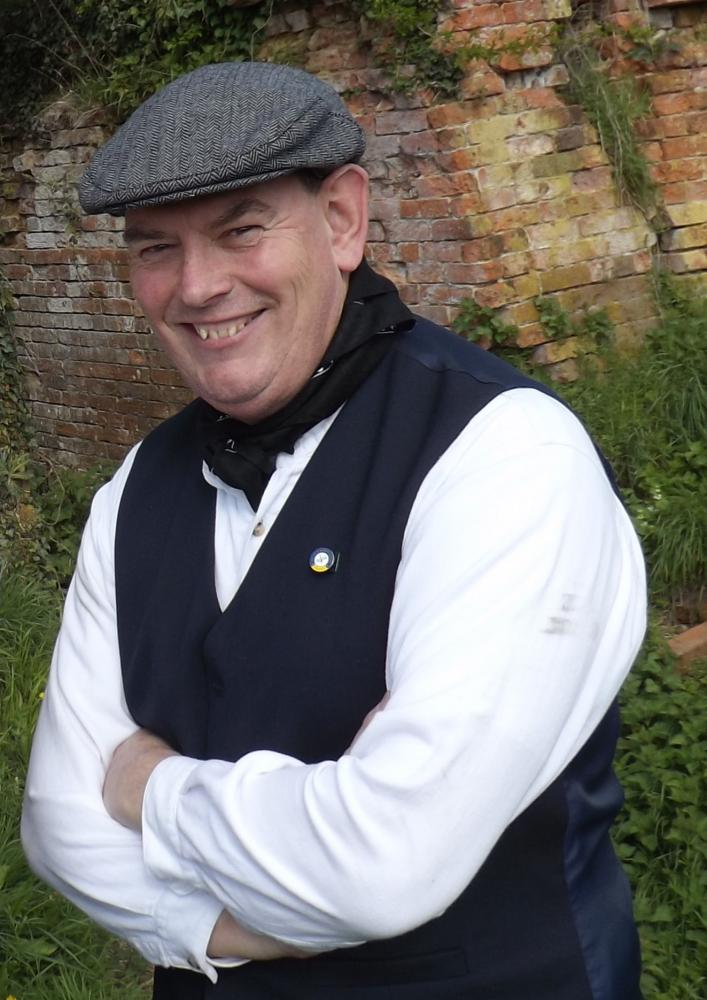 Canal Trust volunteer Alan Lank in period costume