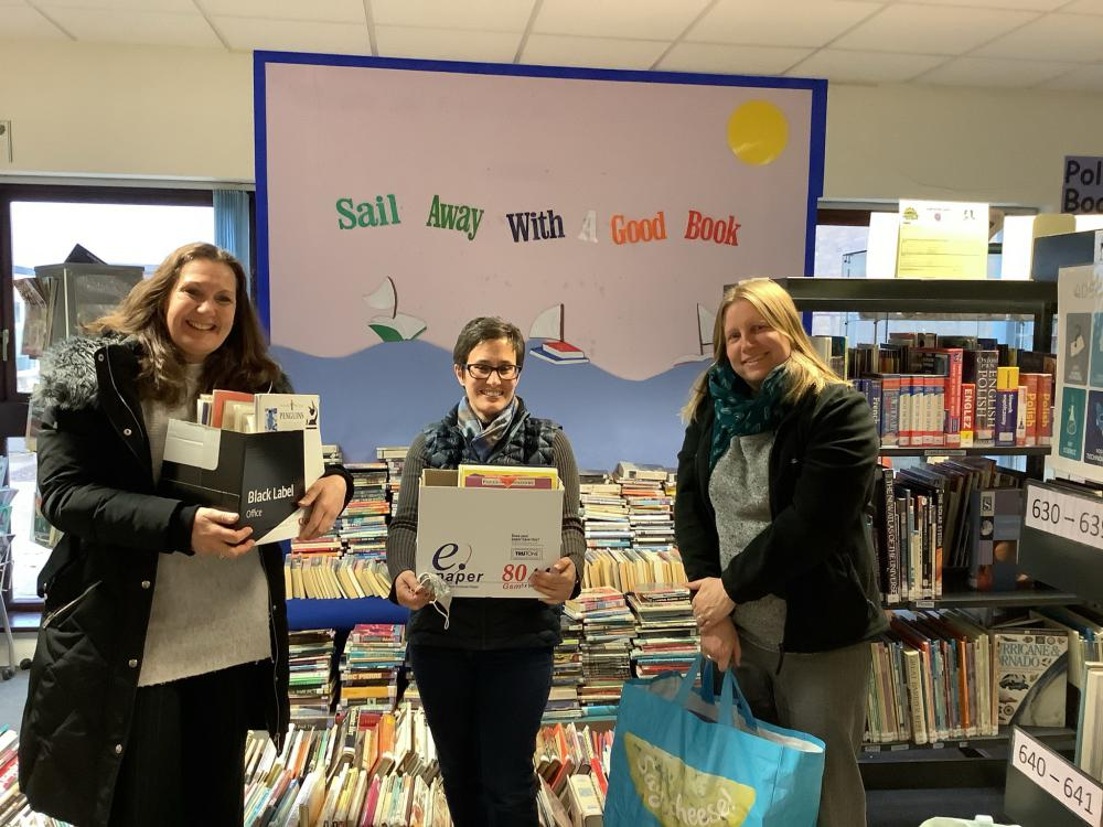 Bradon Forest supports Greenmeadow Primary School's new lending library
