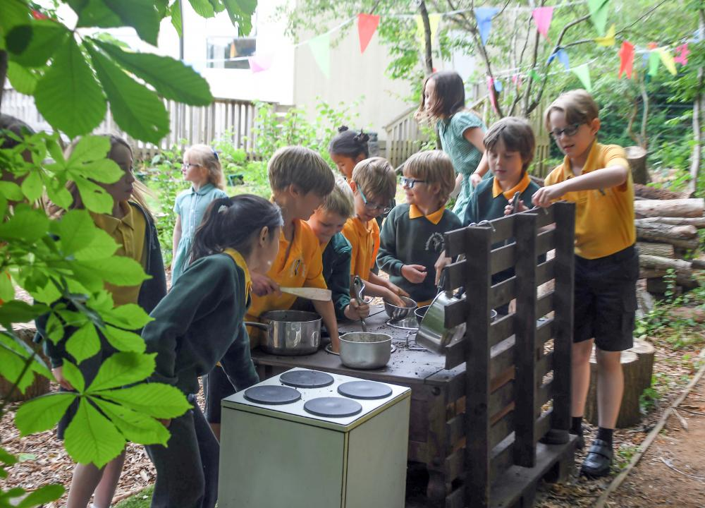 New woodland area is a hit with Bridlewood pupils