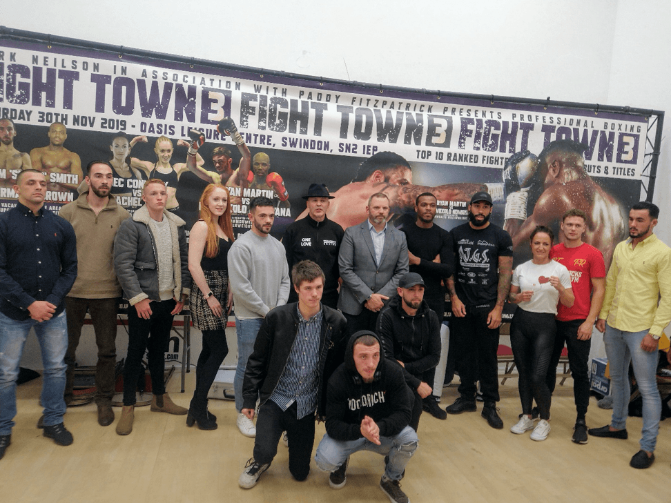 Swindon boxing star 'The Duke' takes to the ring for 'epic' Oasis fight
