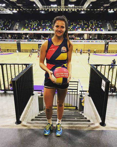 Swindon netballer joins England team for World Cup in South Africa