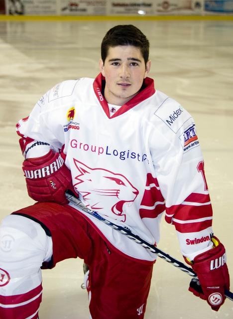 Floyd Taylor puts pen to paper to return to Swindon Wildcats for another season