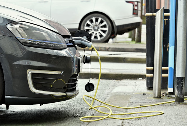 Survey aims to plug gaps in town's electric vehicle charging map