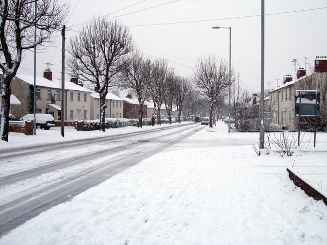 Fire and Rescue Services urge caution as snow falls over Swindon
