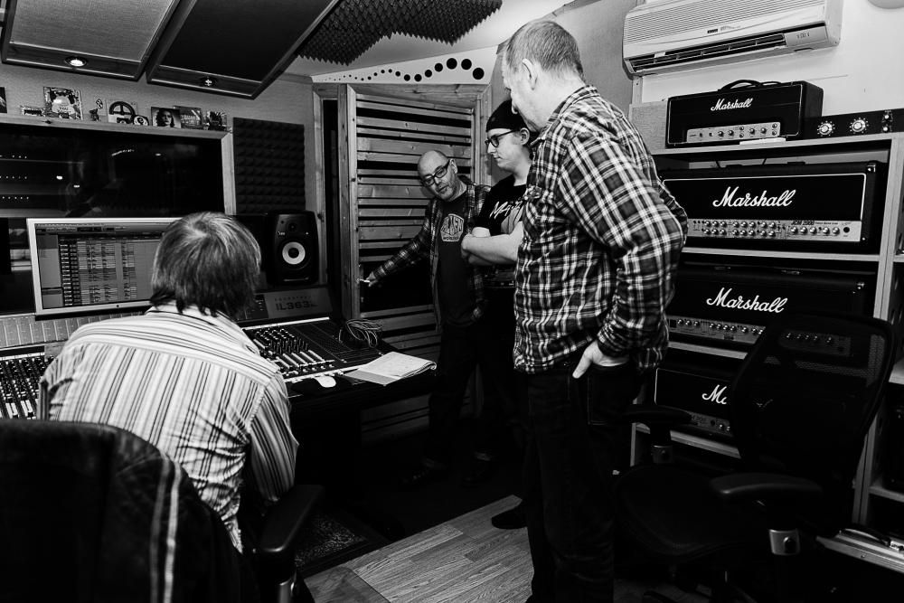 Calling all musicians! - Swindon recording studio launches new songwriting competition