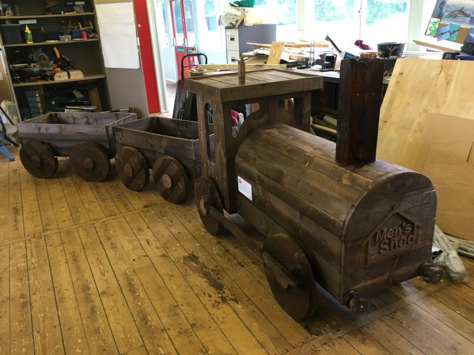 Steam Engine Planter takes pride of place at Steam thanks to Swindon Men's Shed