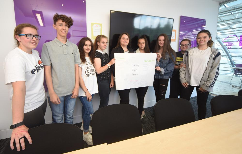 Swindon Academy enters the dragons' den