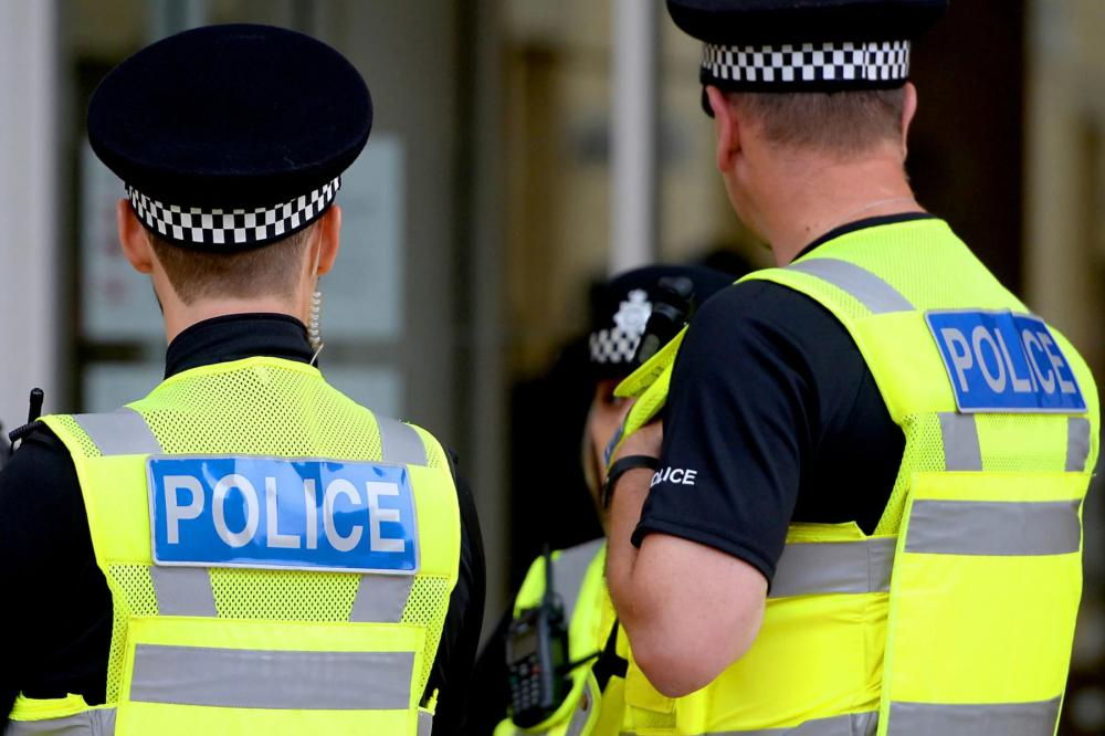Five arrested by Wiltshire Police in courier fraud probe