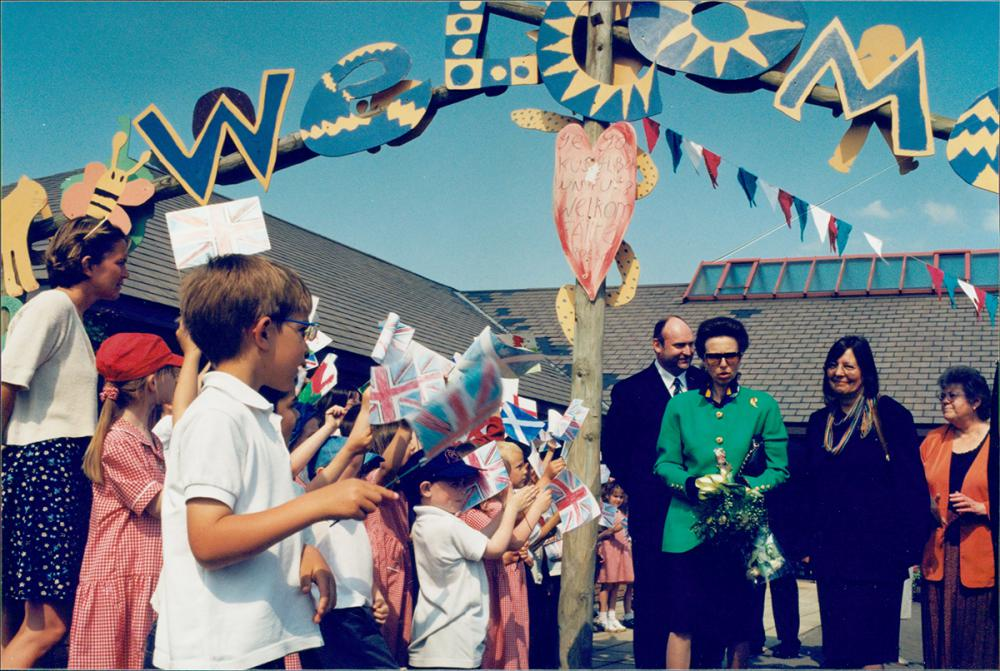 1998 May: Princess Anne in West Swindon to learn more about Story Sacks