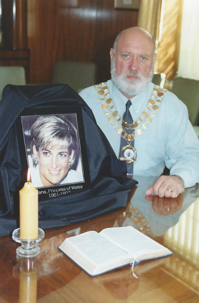 1997 October: Swindon people remember Diana