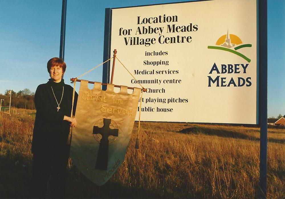 1998 January: New church develops at Abbey Meads in North Swindon