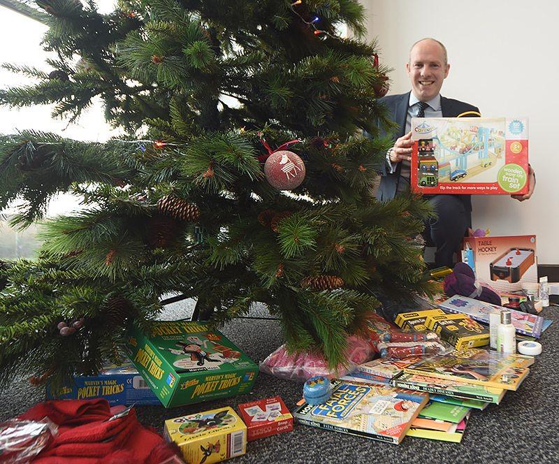 Salvation Army Christmas Collection Via North Swindon MP's